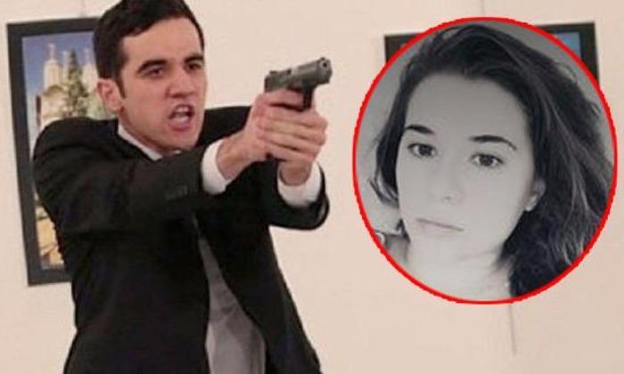 Связанную с убийцей посла Андрея Карлова гражданку России арестовали в Турции