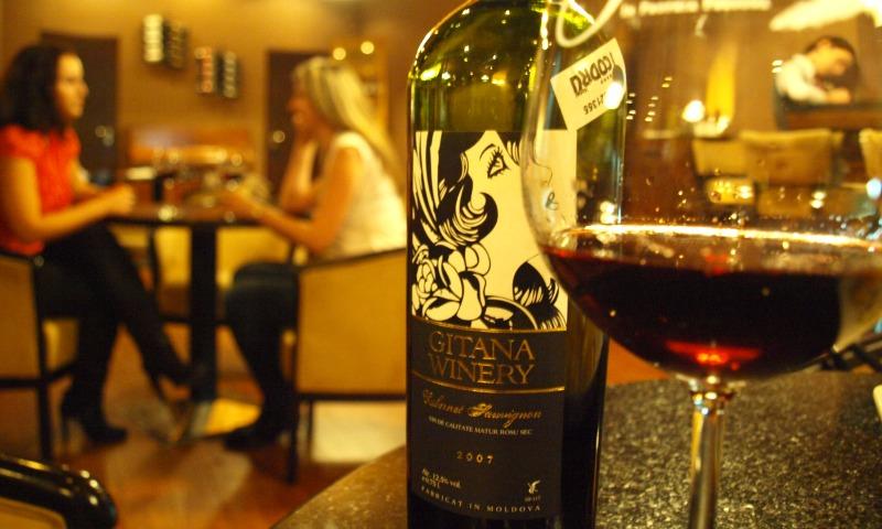 В Молдавии на законодательном уровне перестали считать вино алкогольным напитком