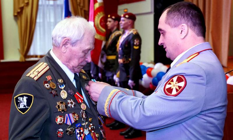 Календарь: 17 апреля - День ветеранов органов внутренних дел и внутренних войск МВД России