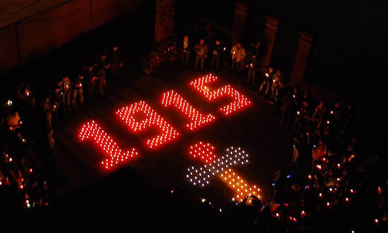 ВЕреване прошло факельное шествие впамять ожертвах геноцида