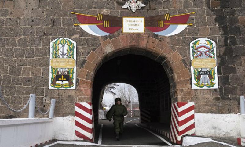 Российский солдат-контрактник исчез в Армении во время похода за покупками