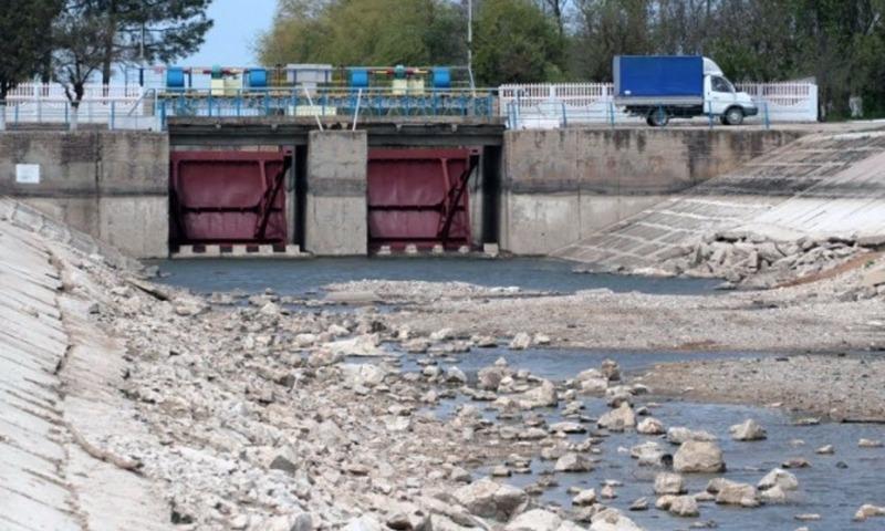 Украина потратила свыше миллиона долларов на бетонную дамбу для блокировки подачи воды в Крым