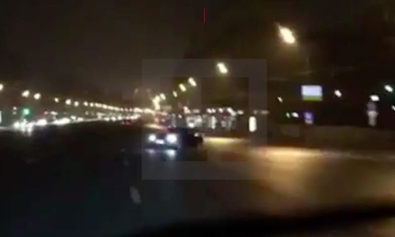 Лихач на БМВ устроил опасный «арабский дрифт» надороге в российской столице