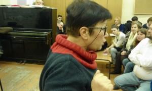 В Сети появилось видео нападения мужчины с баллончиком на активистку партии «Яблоко»