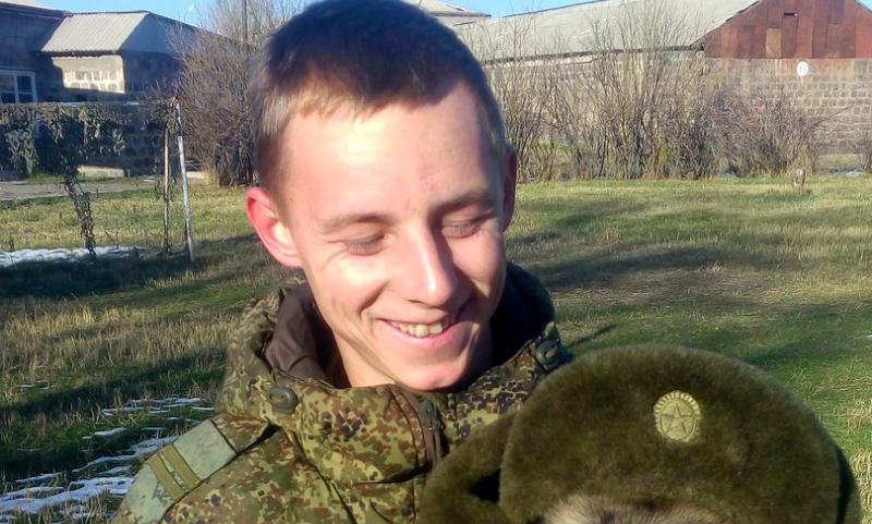 Российского солдата нашли зарезанным в армянском городе Гюмри