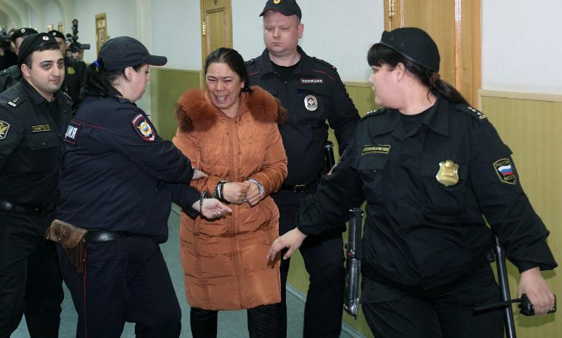 Жители поселка, где нашли вероятных подельников Джалилова, просили Поклонскую избавить их от засилья нелегалов