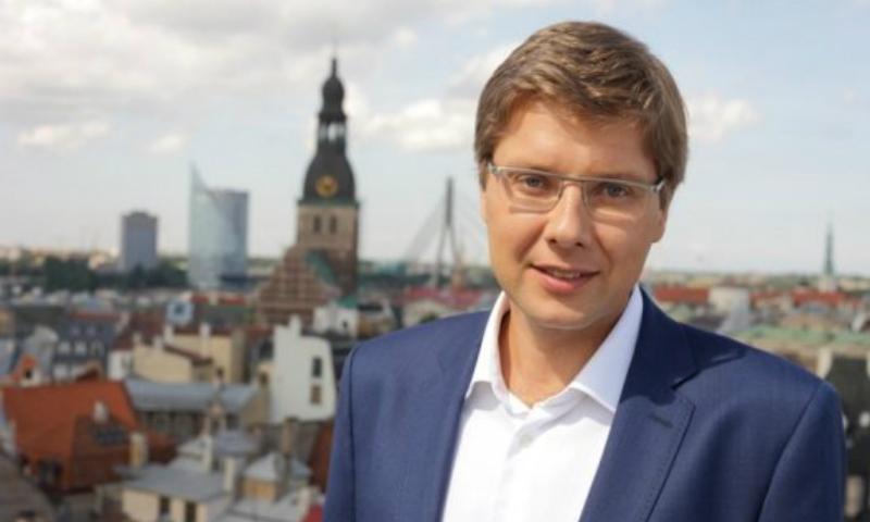Мэра Риги оштрафовали за общение с русскоязычными школьниками на их родном языке