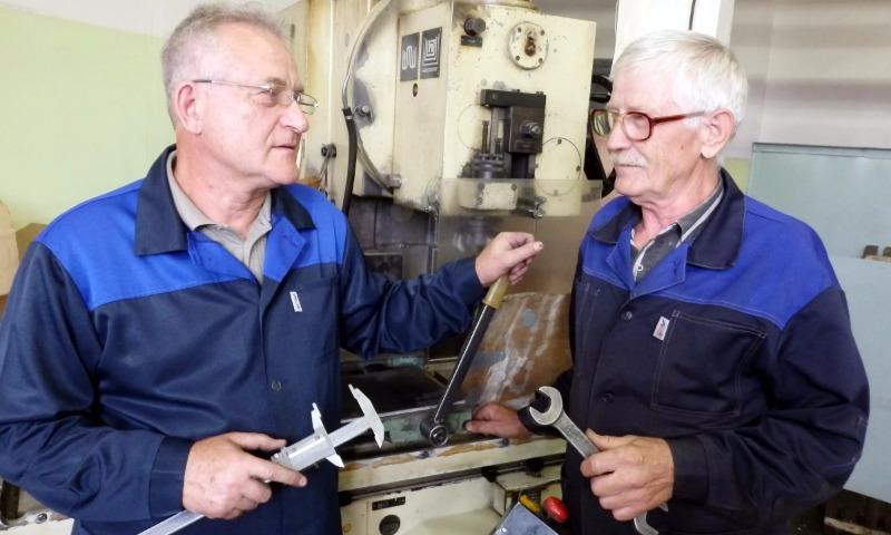 В Госдуме одобрили сокращение срока начисления пенсии после увольнения до месяца