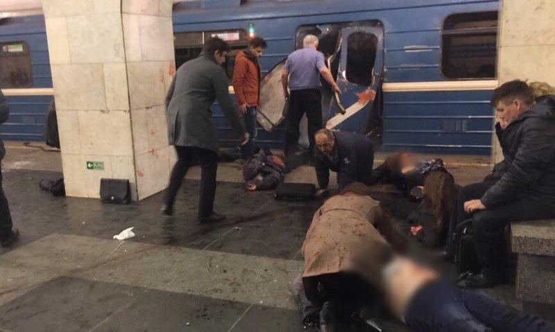 Опубликованы фото и видео со станции метрополитена в Санкт-Петербурге, где прогремел взрыв