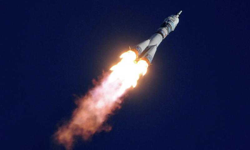 Россияне считают, что наша страна первой должна освоить Марс и Луну