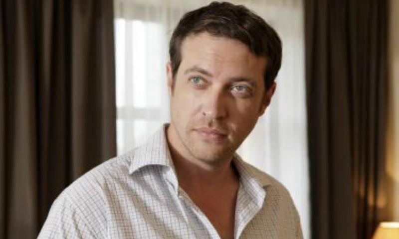Популярный актер Кирилл Сафонов не смог покинуть аэропорт Одессы из-за запрета въезда на Украину