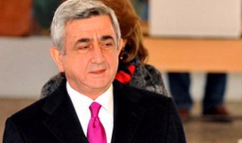На выборах в Армении с президентом Саргсяном произошел курьезный случай