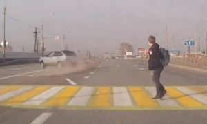 Школьник чудом избежал наезда дрифтера в Красноярске