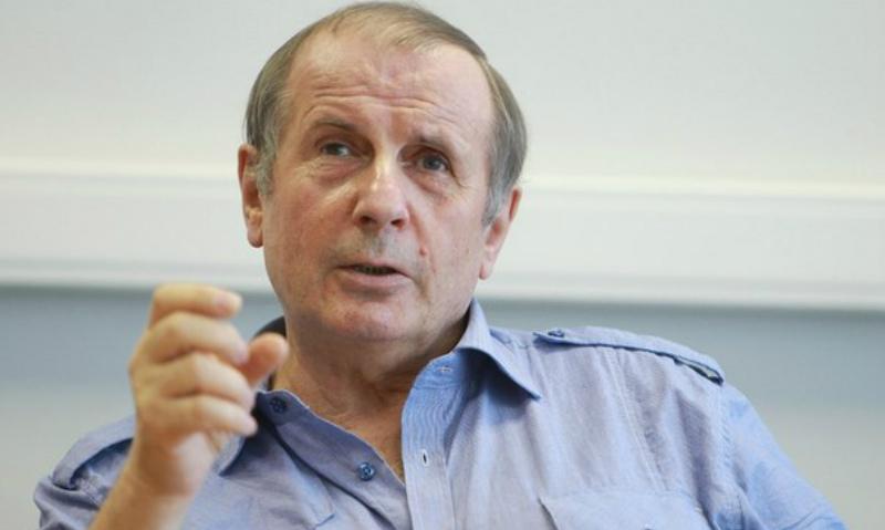 Писатель Веллер швырнул кружку в ведущую радио «Эхо Москвы» во время эфира