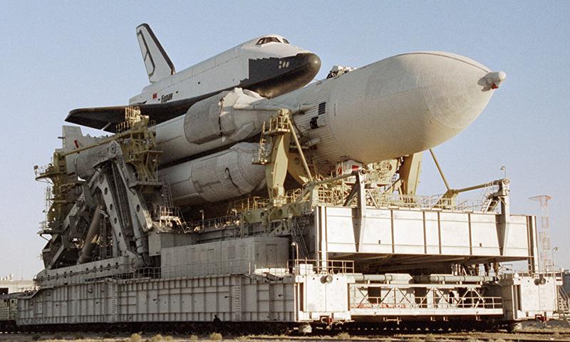 Календарь: 14 мая - Михаил Горбачев закрыл советский военный космос