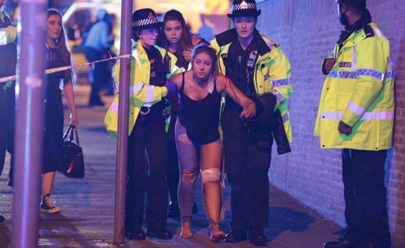 Видеокамера зафиксировала момент взрыва на«Манчестер Арене»