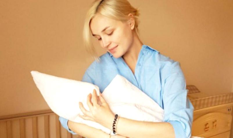 Полина Гагарина дала новорожденной дочери редкое скандинавское имя