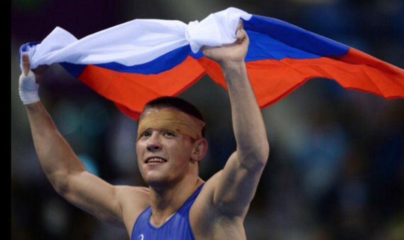 Опубликовано видео победы российского борца на чемпионате Европы по греко-римской борьбе