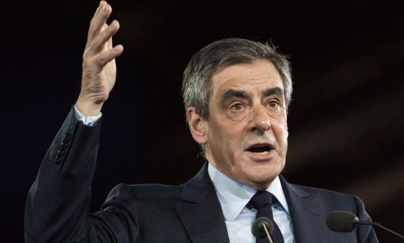 Оскандалившийся экс-кандидат в президенты Фийон объявил о конце политической карьеры