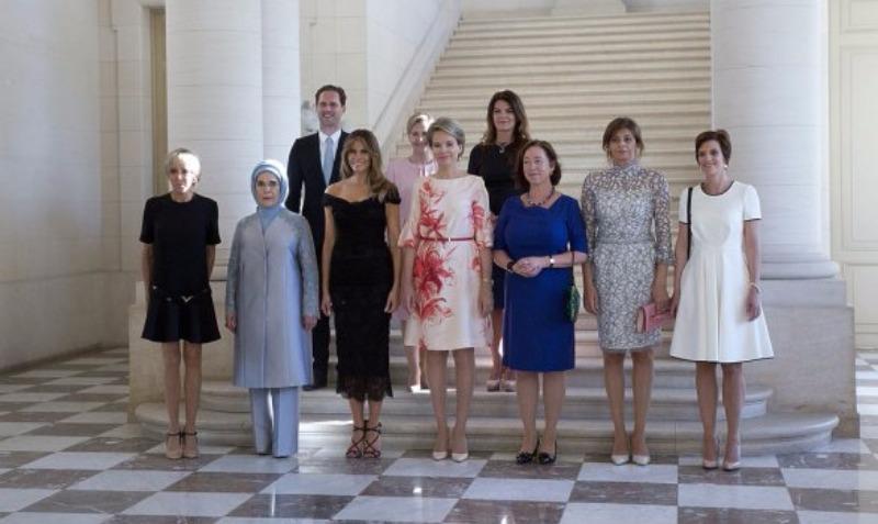 Главный гомосексуалист Люксембурга нагло пристроился к женам глав стран-членов НАТО