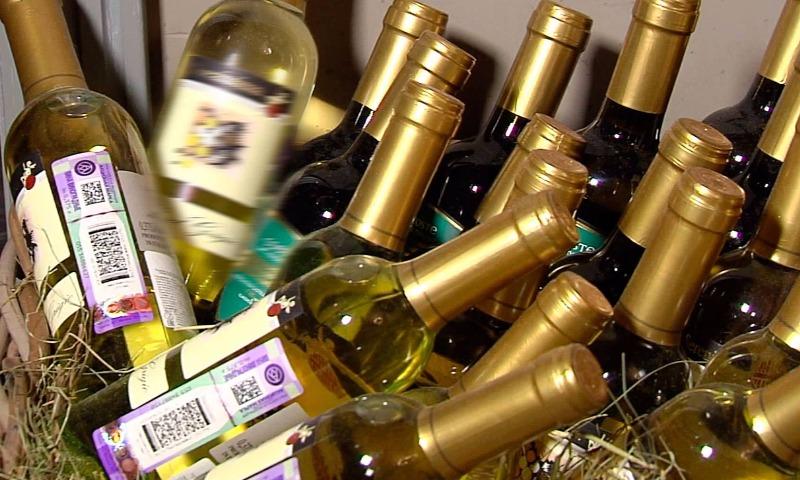 В Минфине узаконенную интернет-продажу алкоголя предложили начать с российских вин и пива