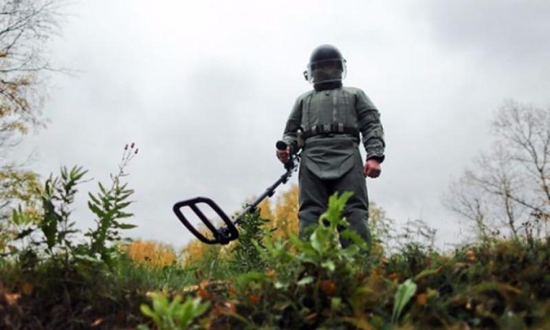 Двое саперов-контрактников погибли при разминировании местности в Чечне