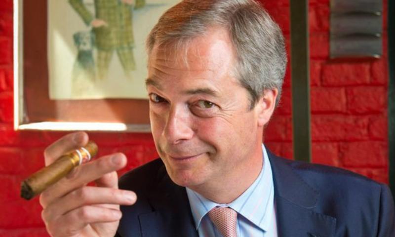 Британский политик выгнал журналиста с интервью после четвертого вопроса о связях с Россией
