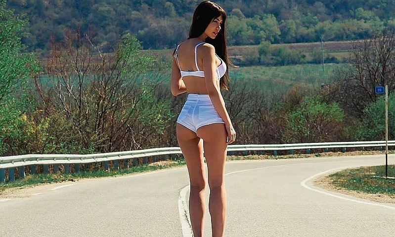 Российская модель из календаря Playboy рассказала, какими должны быть женщина и мужчина