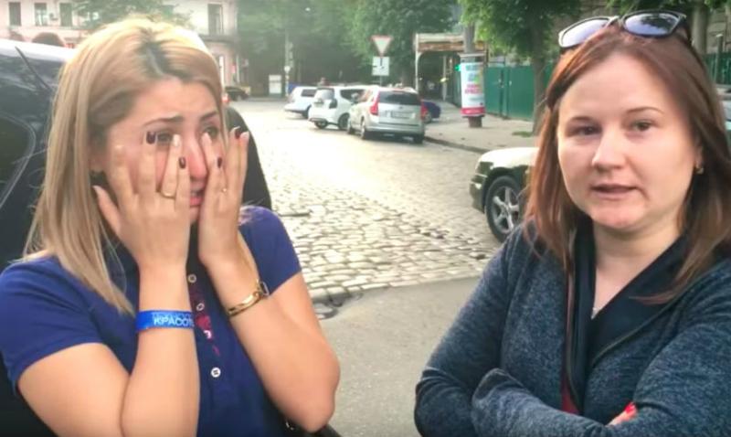 ВОдессе прокололи шины молдавской машине сгеоргиевской лентой ивызвали полицию