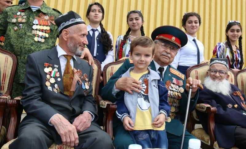 «Бессмертный полк» запретили в Таджикистане как противоречащий исламу