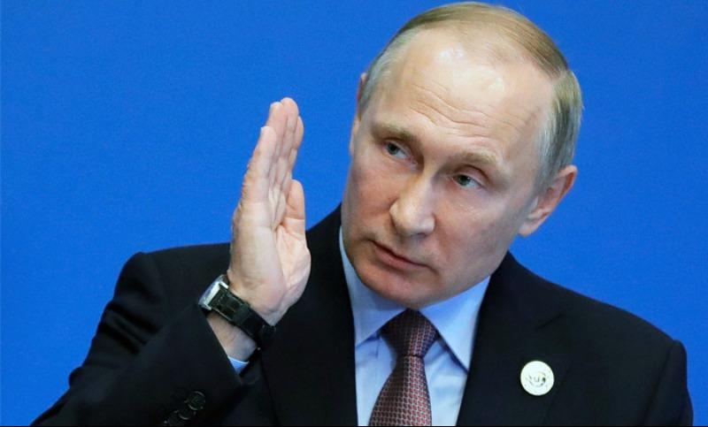 Путин предложил правительству проиндексировать зарплаты бюджетникам