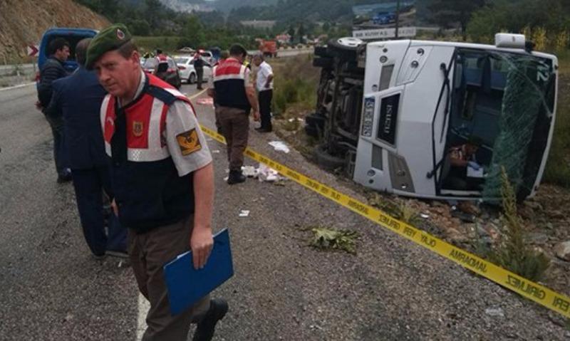 Опубликовано видео с места аварии в Турции микроавтобуса с российскими туристами