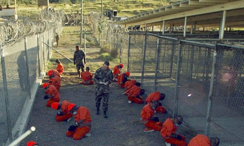 Трамп подписал закон, запрещающий перевод узников изтюрьмы вГуантанамо