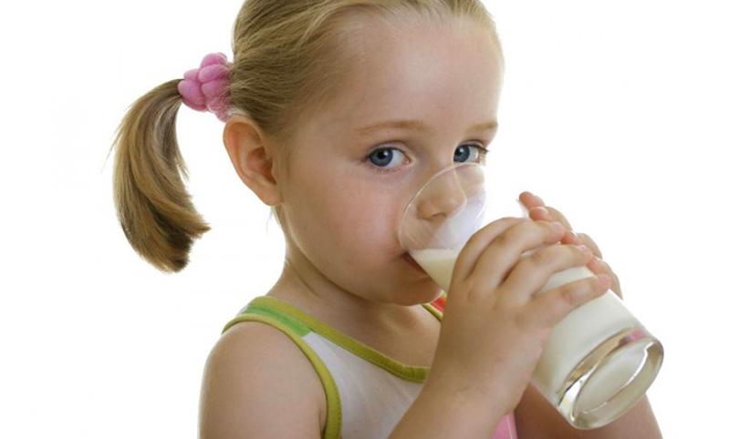 Календарь: 1 июня - Всемирные дни детей, родителей и молока