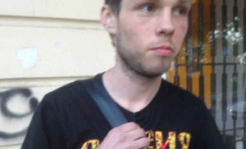 Одесские радикалы раздели на улице молодого человека в майке «Россия, вперед!»