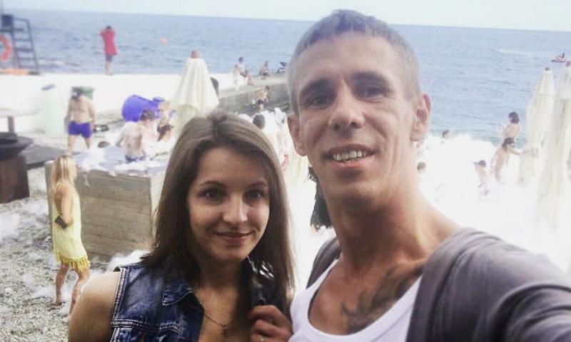 Скандальный Алексей Панин показал новую возлюбленную и пообещал свежие видео