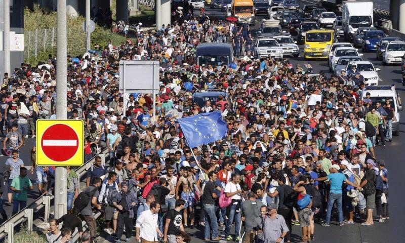 Еврокомиссия пригрозила введением санкций против отказавшихся от беженцев Чехии, Польши и Венгрии
