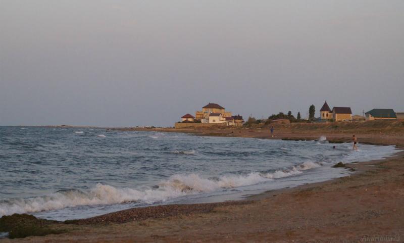 Троих подростков унесло в открытое море в Дагестане: есть погибшие