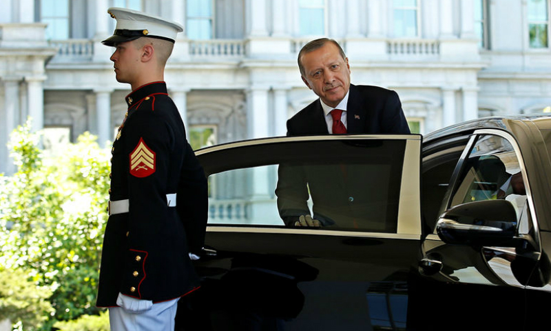 Американские власти заочно арестовали охранников Эрдогана за избиение демонстрантов в Вашингтоне