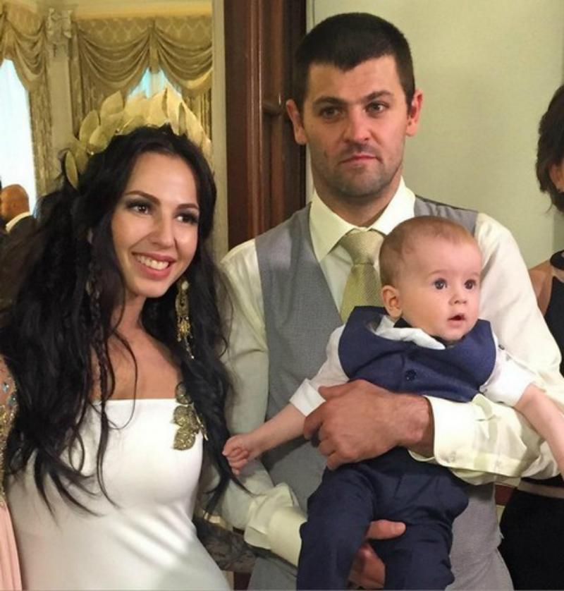 Дмитриева и Радулов поженились после рождения сына