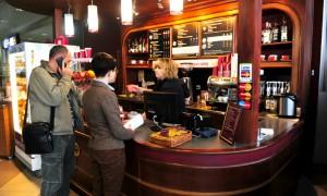 ФАС взялась за «Шоколадницу» и «Бургер Кинг» из-за завышенных цен в московских аэропортах