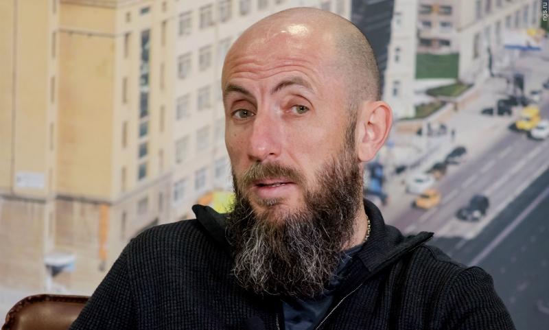 Директор Новосибирского оперного театра Владимир Кехман ушел в декрет и отправился на Лазурный берег