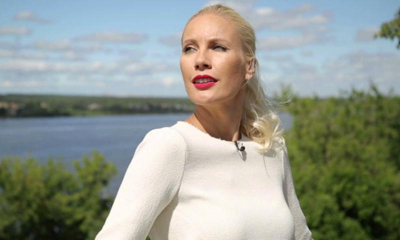 Лена Летучая объявила войну компании сантехники из-за появления ее лица на унитазах