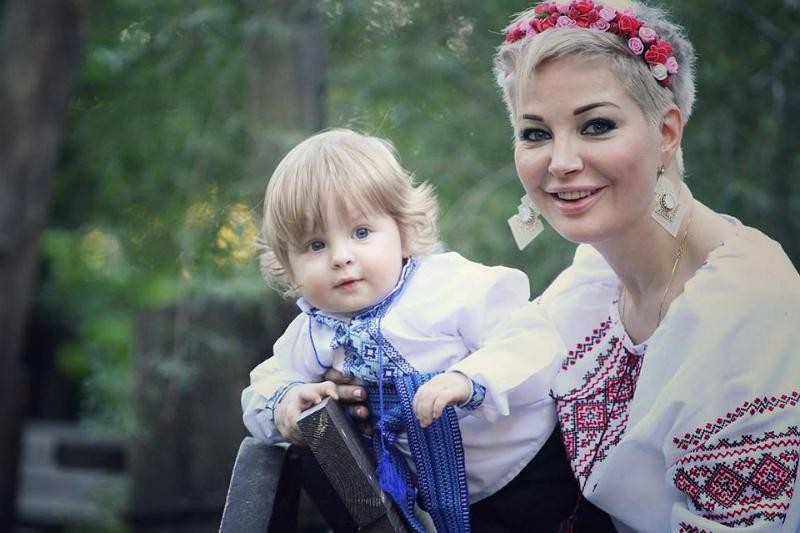 Мария Максакова с сыном от Дениса Вороненкова