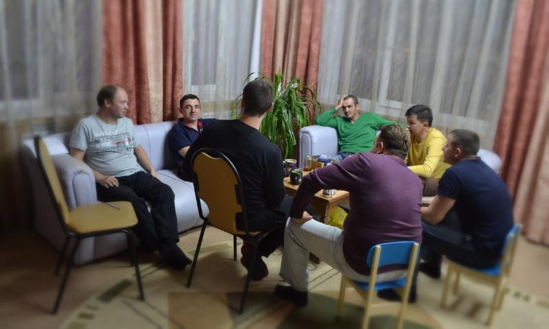 Регионы России с наибольшим количеством одиноких мужчин назвали эксперты