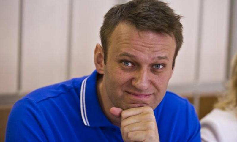 Навального задержали в его подъезде из-за призывов перенести митинг на Тверскую