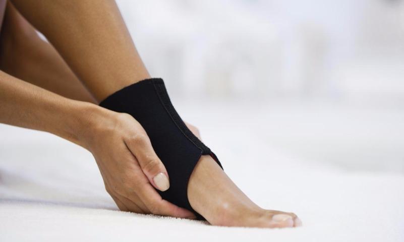 Ломает кости и причиняет боль: ученые доказали вред йоги