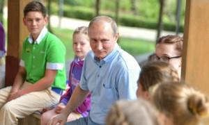 Путин отругал директора «Артека» за поездки детей на винзавод