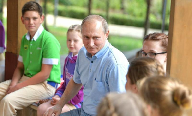 Путин отругал директора