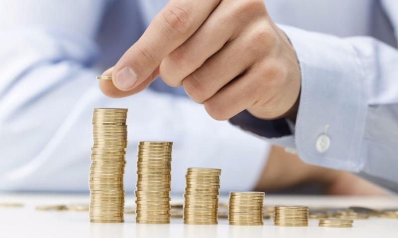 Исследователи рассказали, какому количеству жителей России удается копить деньги на